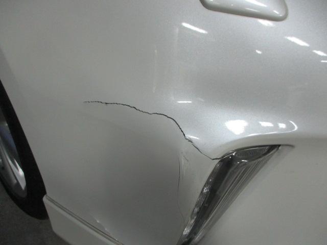 トヨタ プリウス フロントバンパー 修理!?